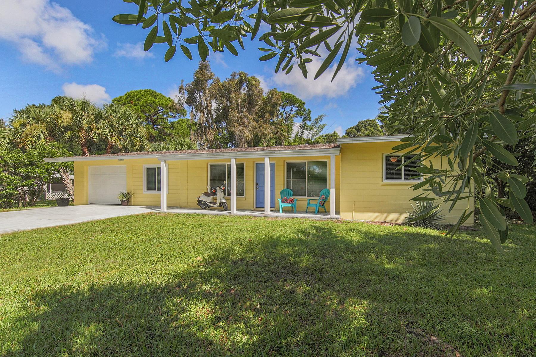 Single Family Home for Sale at NOKOMIS 141 Gulf Ave Nokomis, Florida, 34275 United States