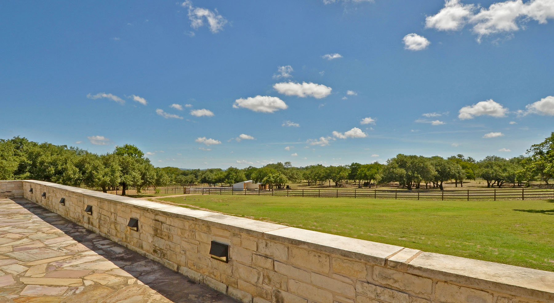 Additional photo for property listing at The Texas Hill Country Manor 690 Autumn Ln Dripping Springs, Texas 78620 United States