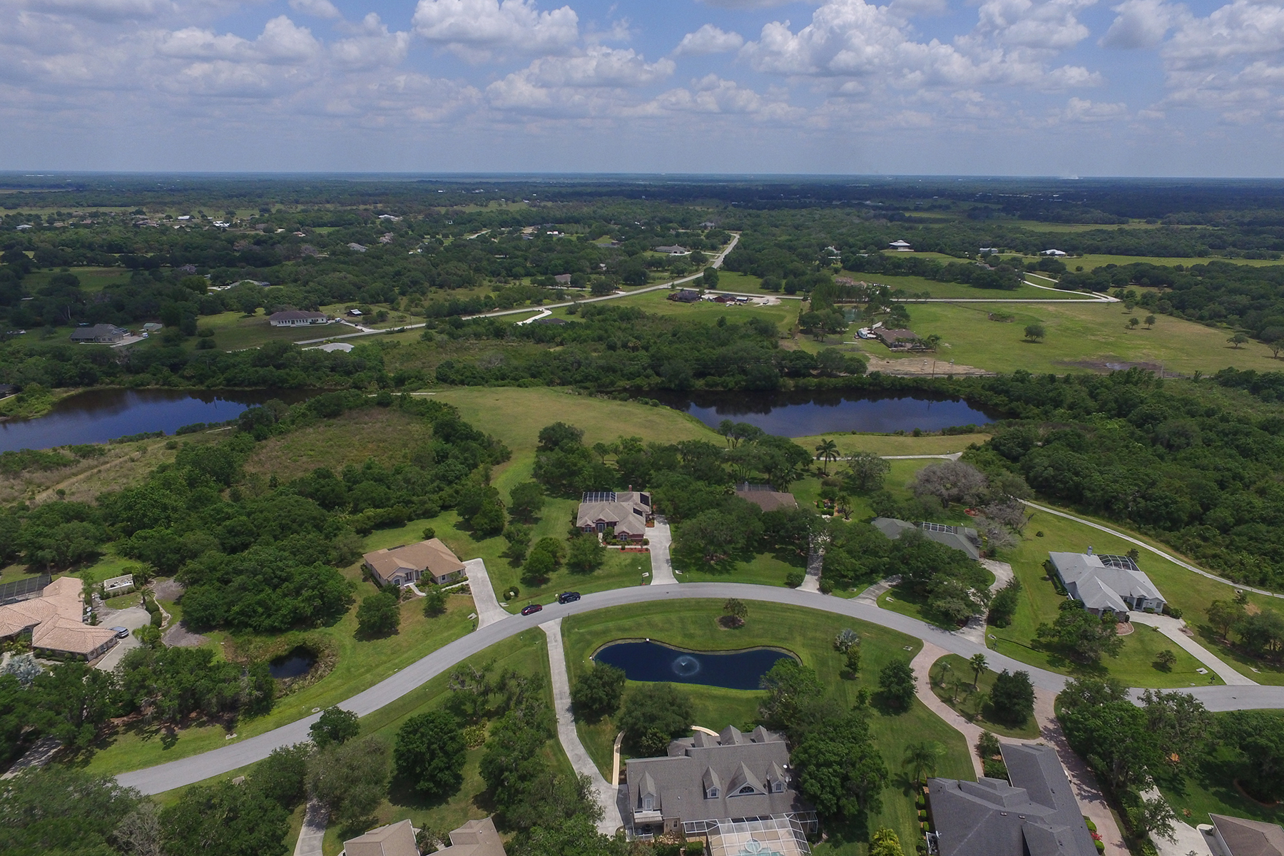 Single Family Home for Sale at OAK FORD GOLF CLUB 1575 Kingsdown Dr Sarasota, Florida, 34240 United States