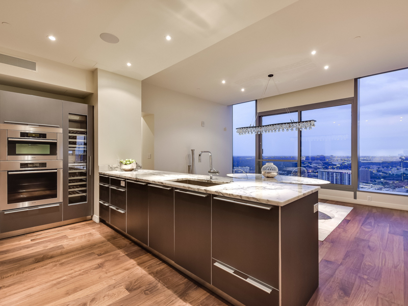 Additional photo for property listing at Custom One-of-a-Kind W Condo 210 Lavaca St 2805 Austin, Texas 78701 United States