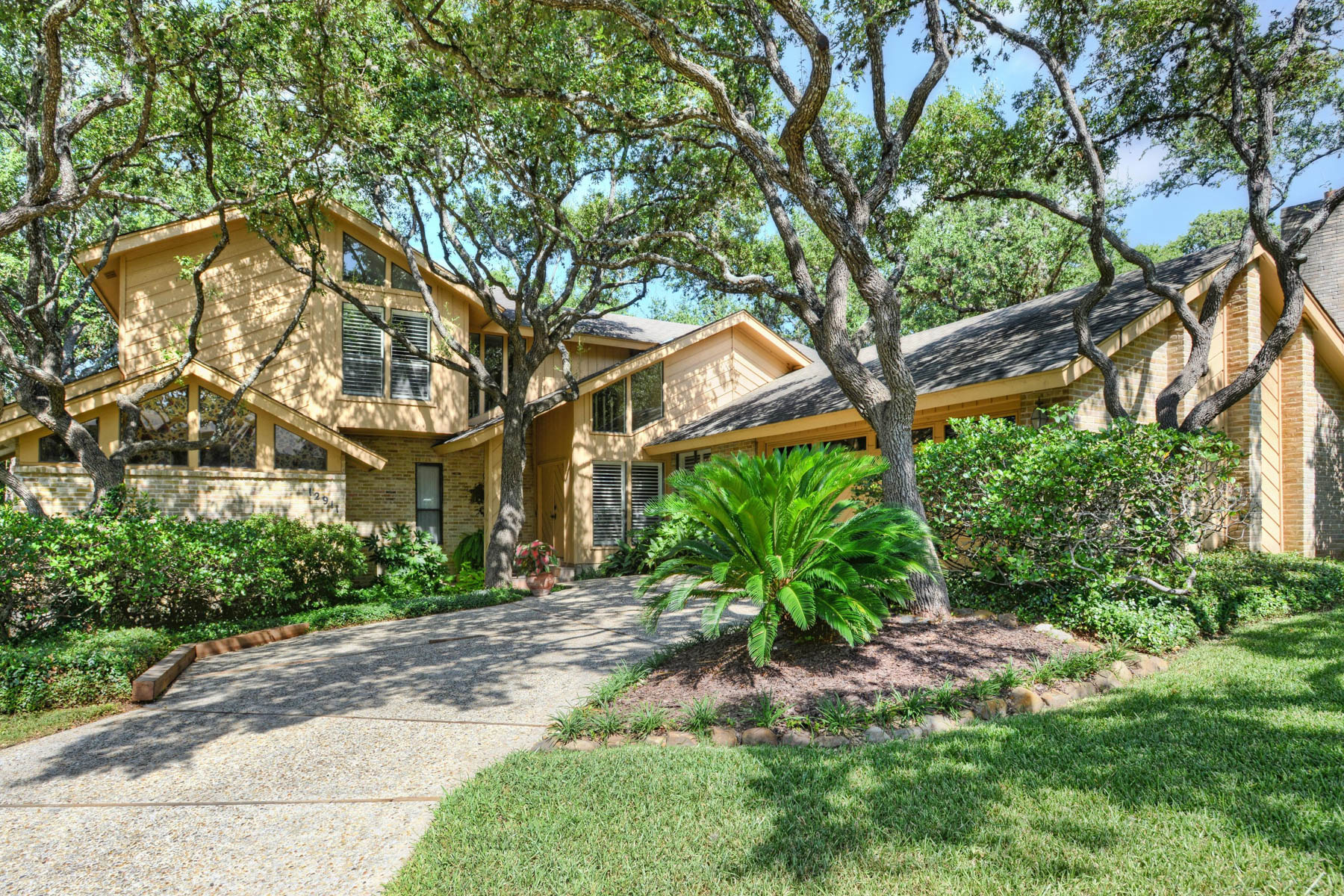Property For Sale at Spectacular Home in Hunters Creek