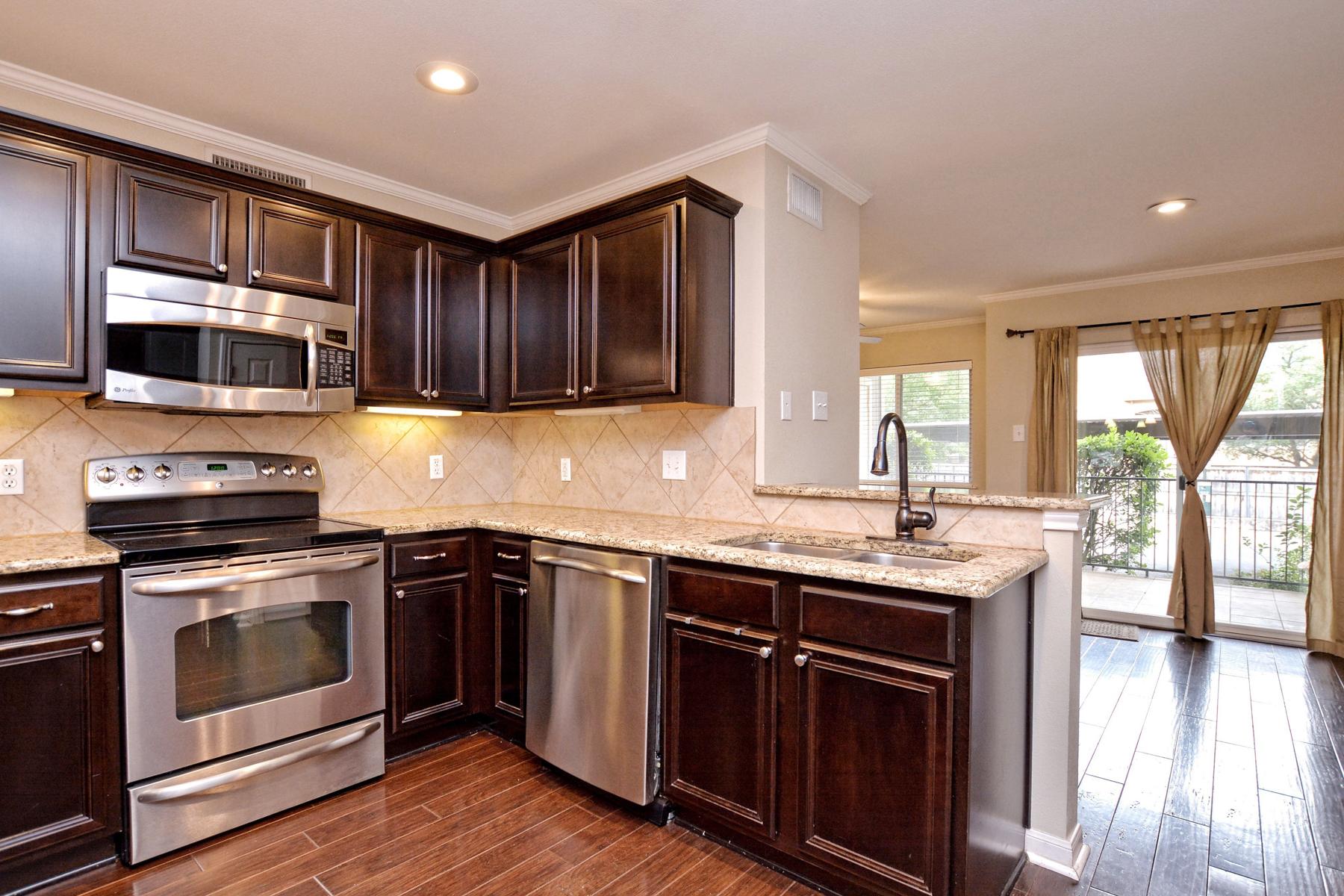 Condominium for Sale at Fantastic Condo in Villa Dijon 100 Lorenz Rd 301 San Antonio, Texas 78209 United States
