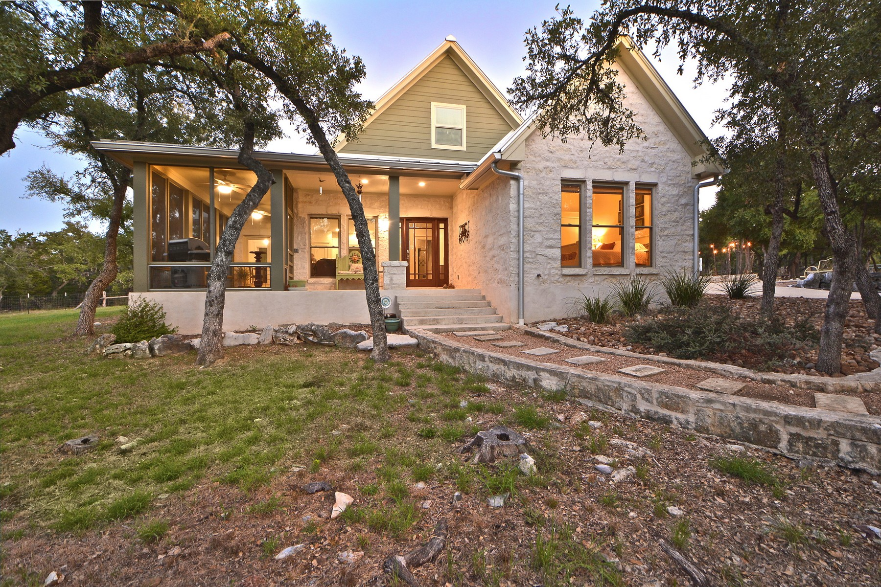 Additional photo for property listing at Wimberley Wonder on 10 acres 322 Trail Ridge Rd Wimberley, Texas 78676 Estados Unidos