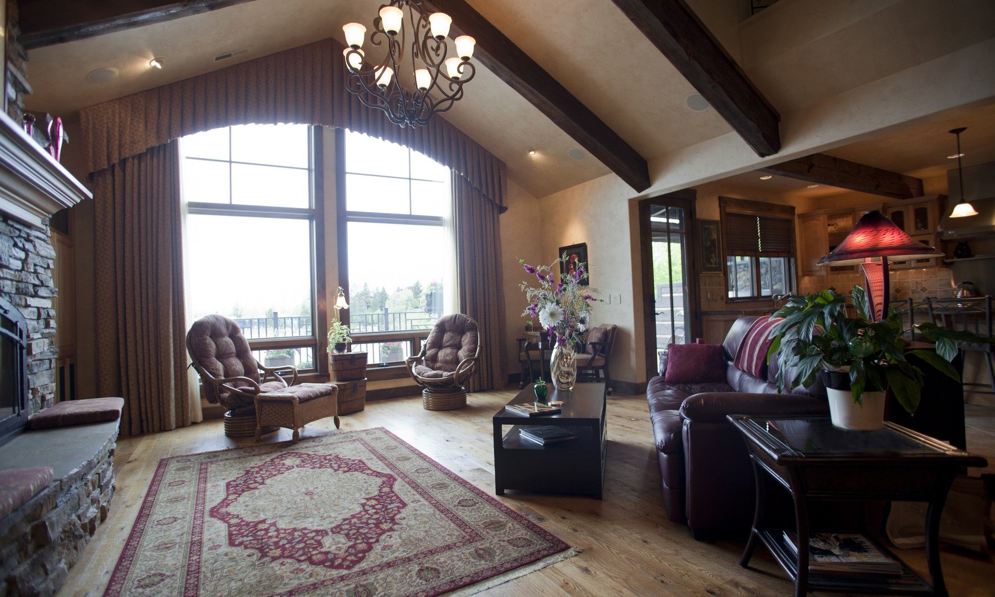 Кооперативная квартира для того Продажа на Lakefront Condominium 474 Electric Ave Bigfork, Монтана, 59911 Соединенные Штаты