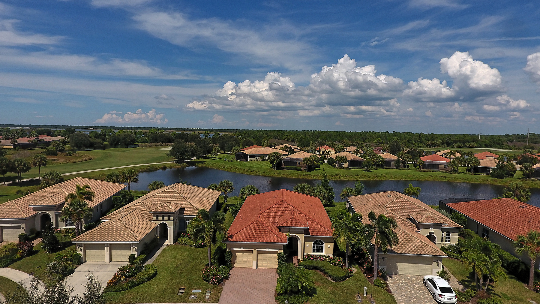 Villa per Vendita alle ore VENETIAN GOLF & RIVER CLUB 126 Bellini Ct North Venice, Florida, 34275 Stati Uniti