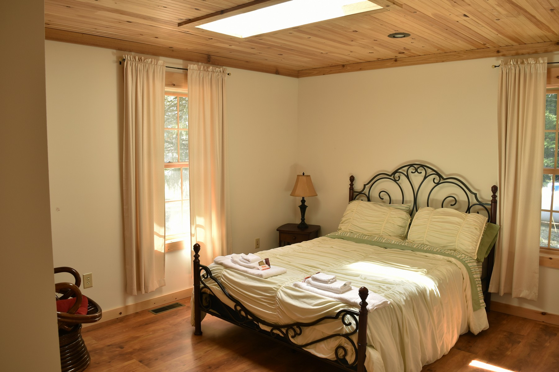 Additional photo for property listing at New Log Chalet 6  Bianca Rd Stony Creek, Нью-Йорк 12878 Соединенные Штаты