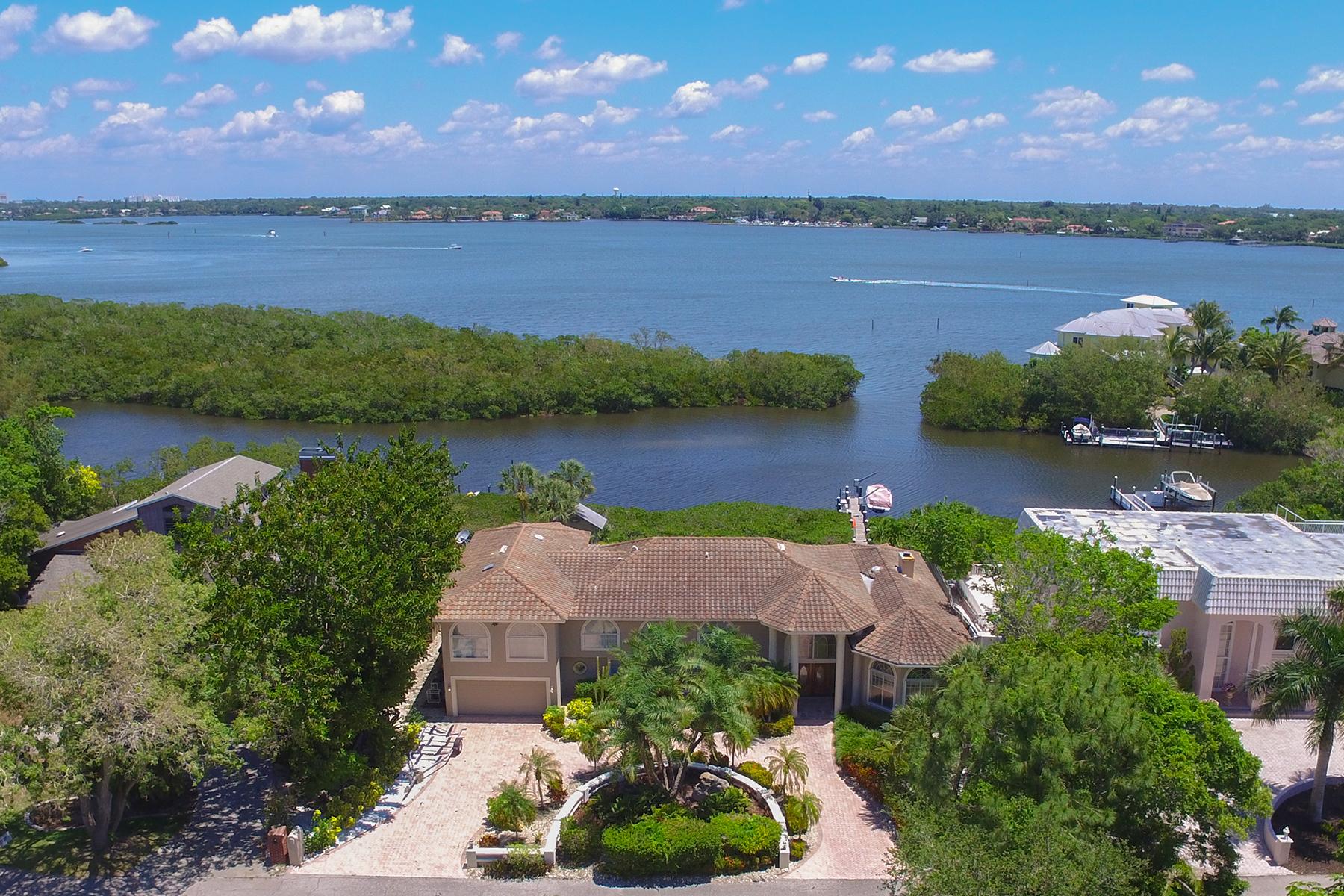 Vivienda unifamiliar por un Venta en SIESTA KEY 1366 Roberts Bay Ln Sarasota, Florida, 34242 Estados Unidos