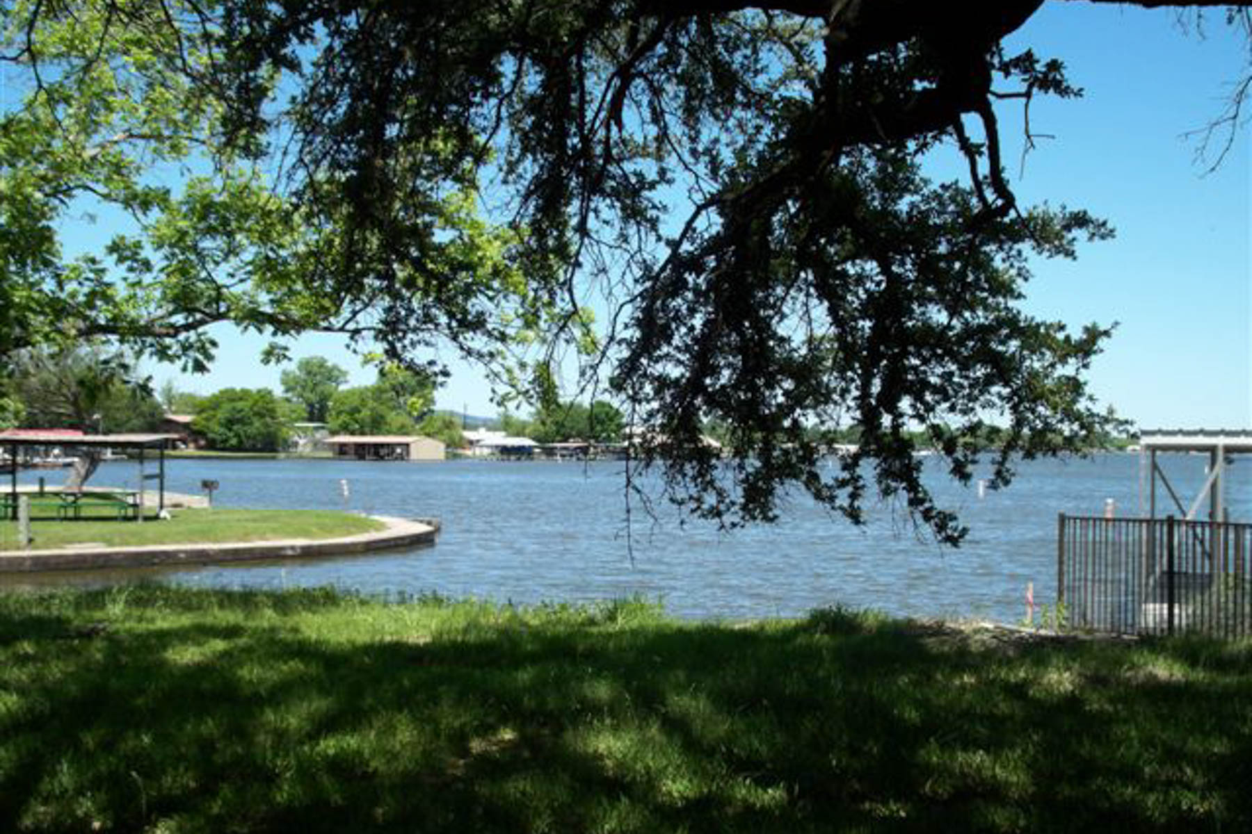 Additional photo for property listing at Your Own Piece of Beautiful Lake LBJ 203 N Shorewood Dr Granite Shoals, Texas 78654 United States