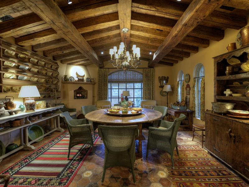 Property Of Grand Elegant Estate in World Renowned Estancia