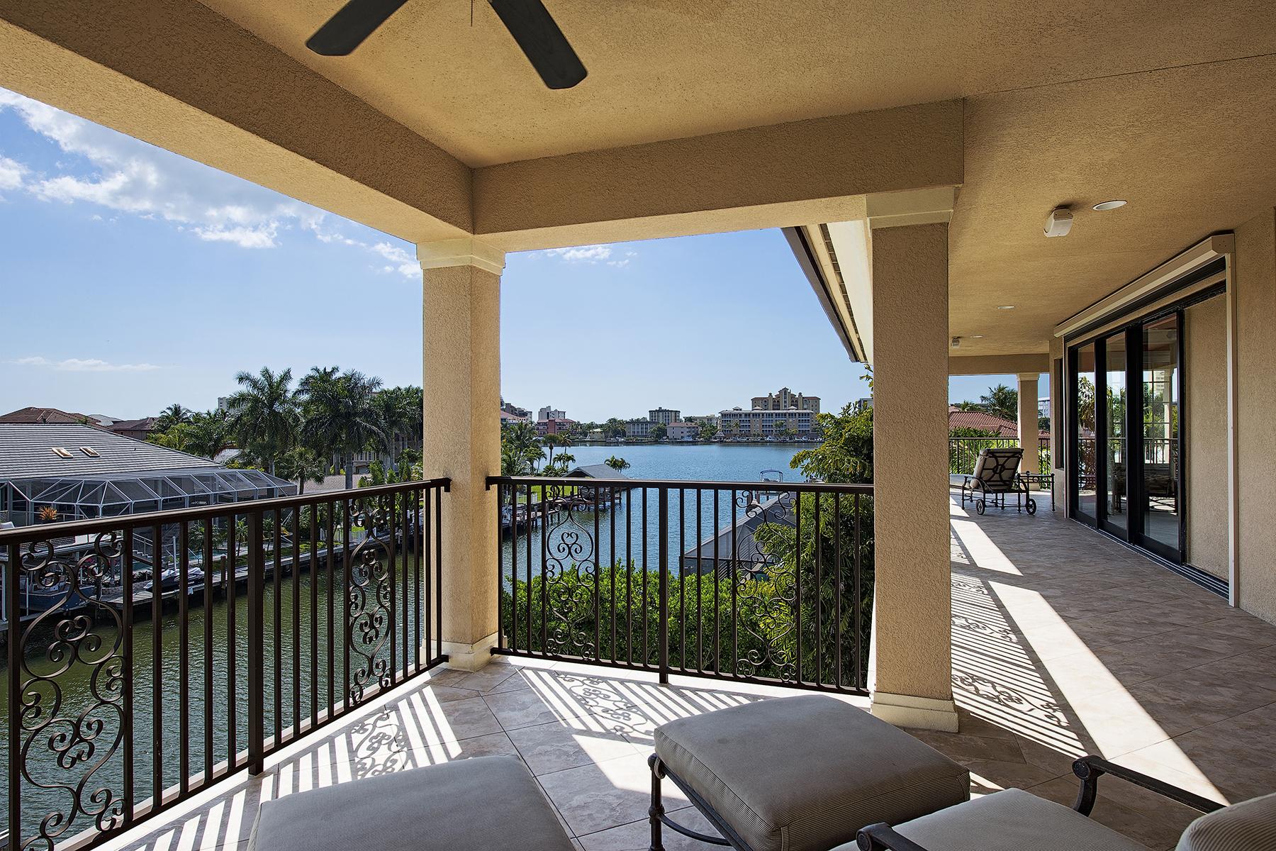 Villa per Vendita alle ore 418 Bayside Ave , Naples, FL 34108 418 Bayside Ave Naples, Florida 34108 Stati Uniti
