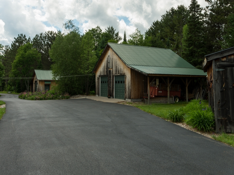 Additional photo for property listing at CAMP WHISKEY JACK 156  Jacob Road Owls Head, 纽约州 12969 美国