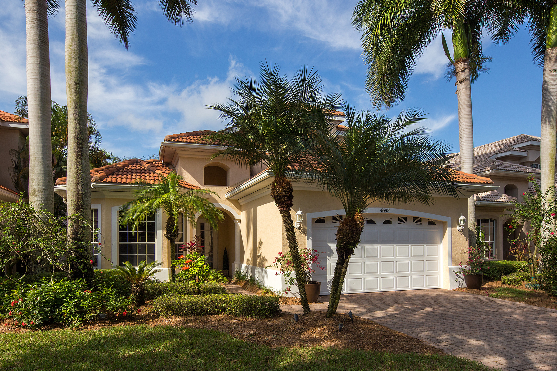 Single Family Home for Sale at 4352 Kensington High St , Naples, FL 34105 4352 Kensington High St Naples, Florida 34105 United States