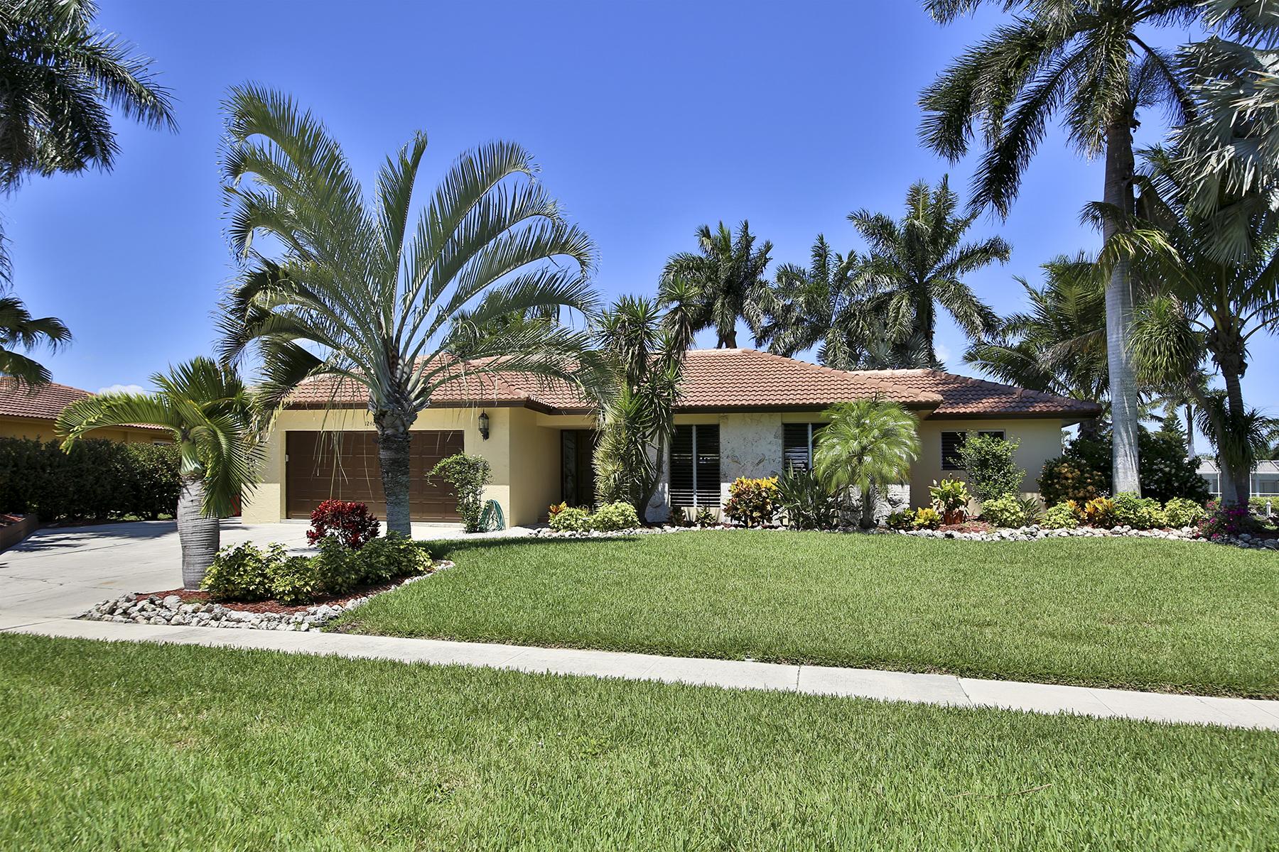 Tek Ailelik Ev için Satış at MARCO ISLAND - LAUREL COURT 1240 Laurel Ct Marco Island, Florida 34145 Amerika Birleşik Devletleri