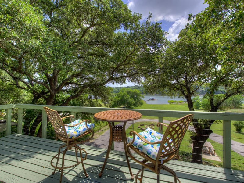 Single Family Home for Sale at Waterfront Retreat 25107 Lakeview Dr Spicewood, Texas 78669 United States