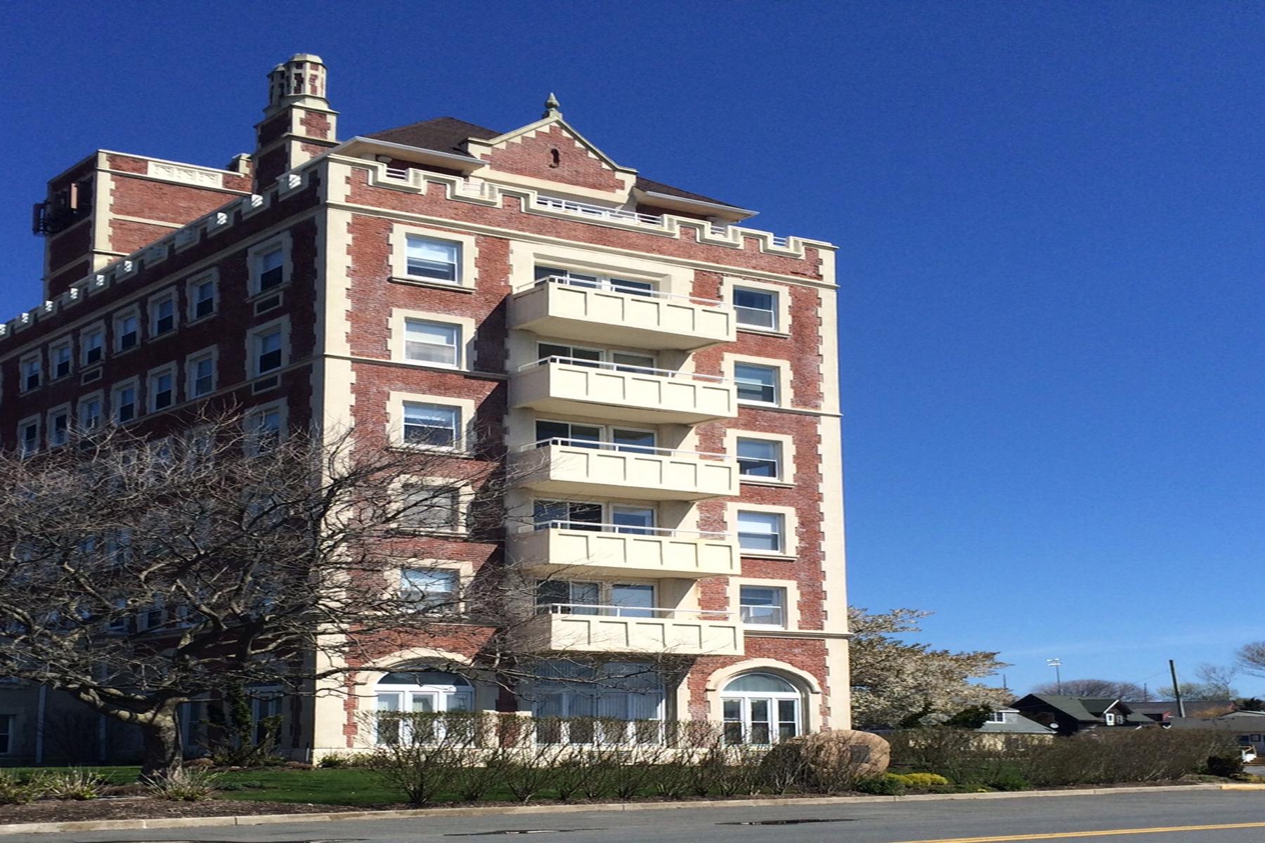共管式独立产权公寓 为 销售 在 Condo 55 S Euclid Ave 4 蒙托克, 纽约州, 11954 美国