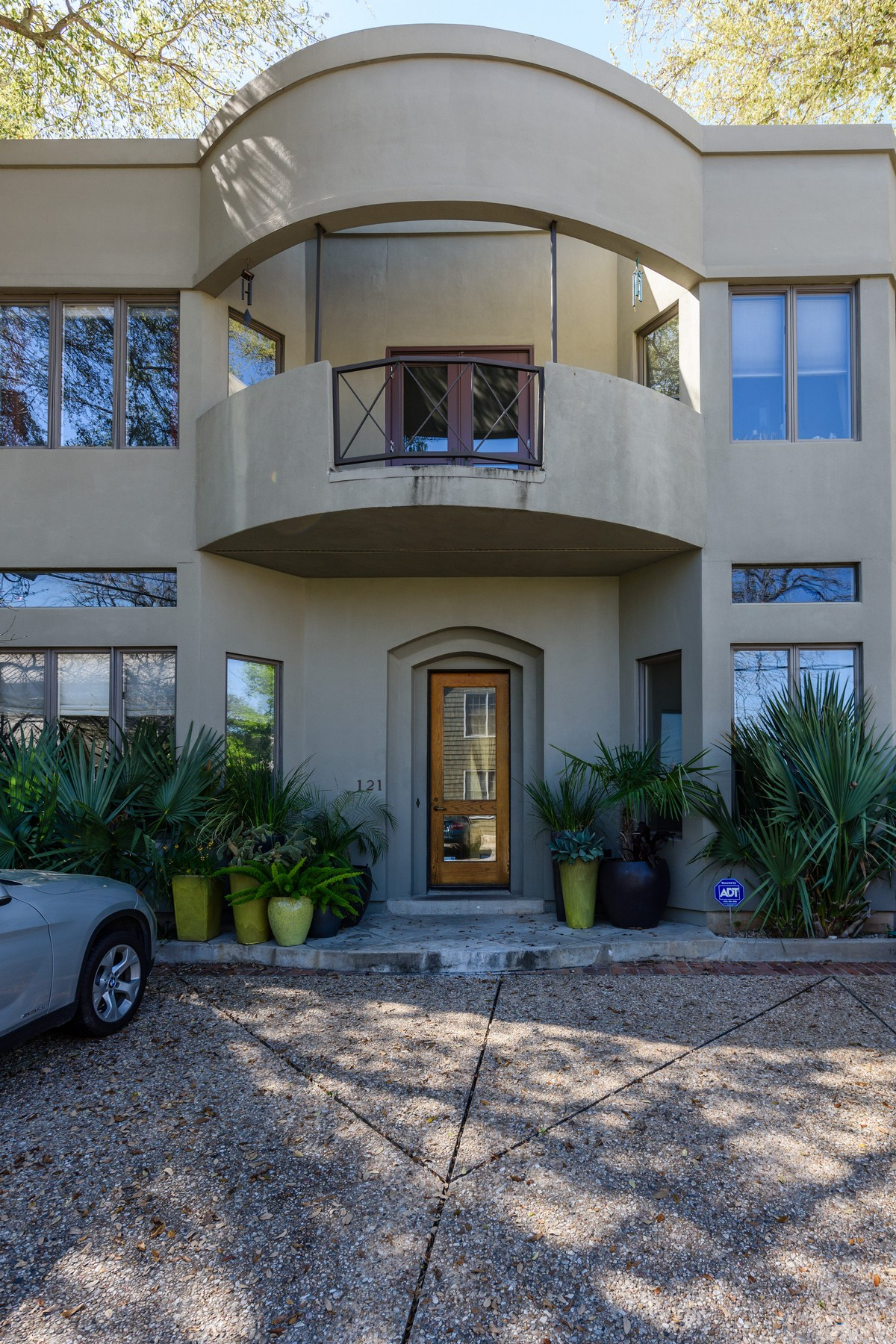 Additional photo for property listing at Coveted De Saligny 1111 W 12th 121 Austin, Texas 78703 Estados Unidos