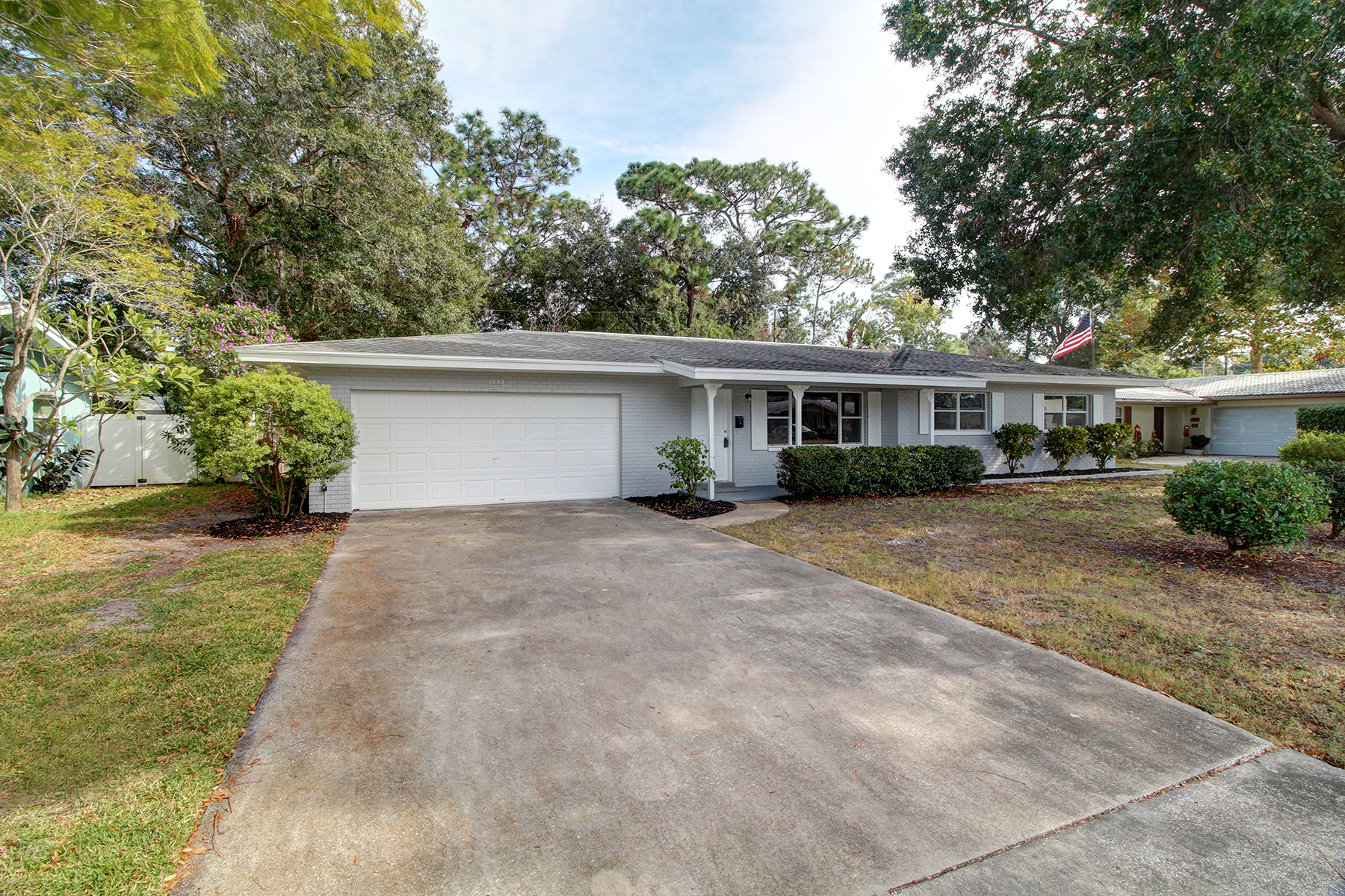 Single Family Home for Sale at LARGO 1093 Porter Dr Largo, Florida, 33771 United States