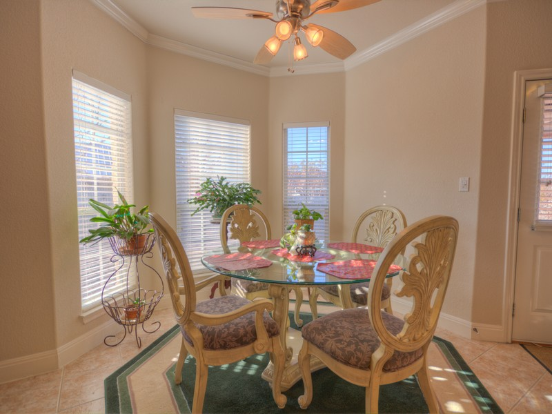 Additional photo for property listing at Hill Country Delight! 603 Prickly Pear Ct Fredericksburg, Texas 78624 Estados Unidos