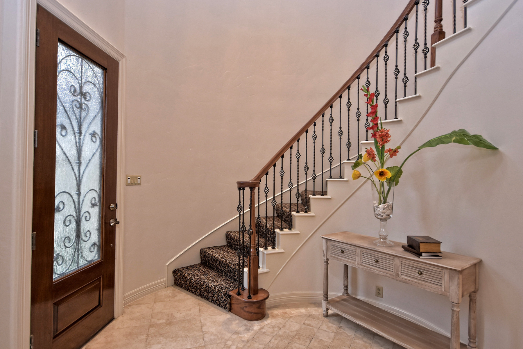 Additional photo for property listing at Luxurious and Gorgeous Home in The Dominion 8 Legends Ct San Antonio, Texas 78257 Estados Unidos