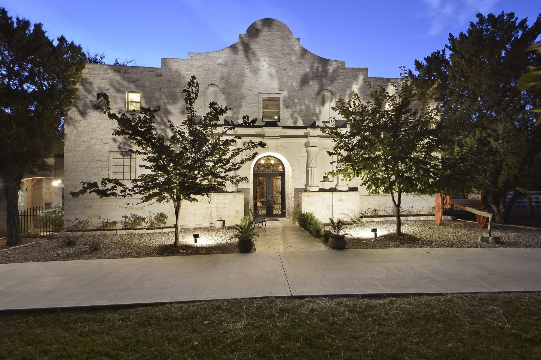 Nhà ở một gia đình vì Bán tại For the True Texan or Texan at Heart 500 Contrails Way Spicewood, Texas 78669 Hoa Kỳ