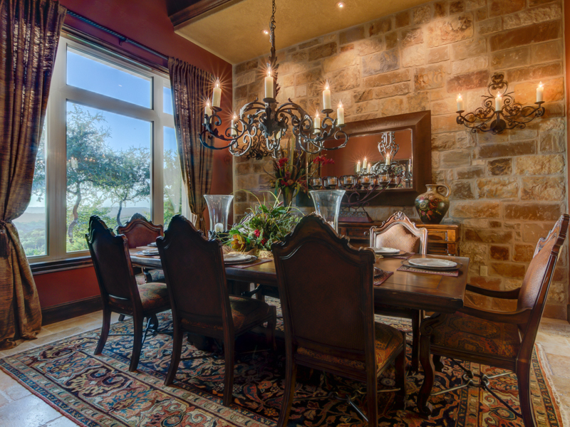 Additional photo for property listing at Spectacular Home in Estancia 43 Thunder Hill Boerne, Texas 78006 Estados Unidos