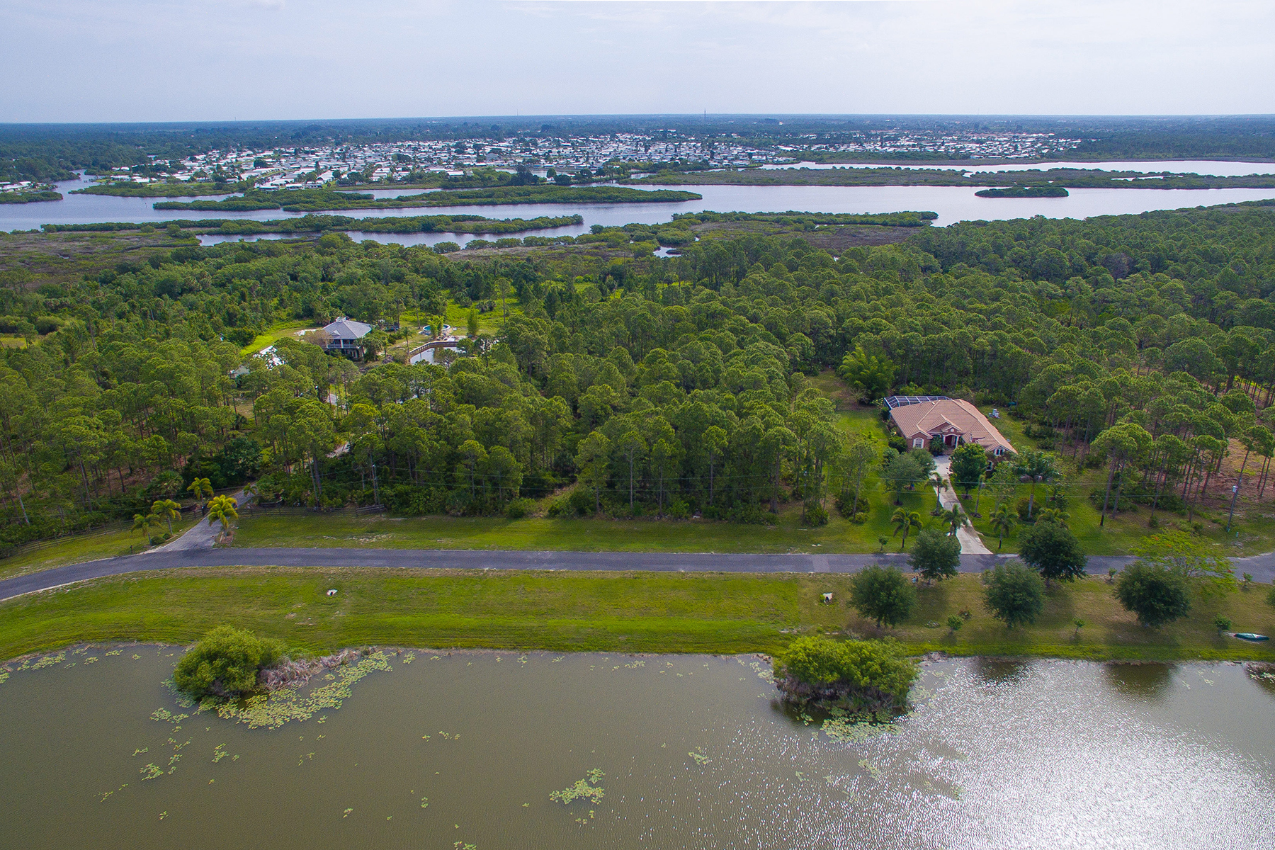 Земля для того Продажа на LAKE GERALDINE Falcon Ct 22 Venice, Флорида, 34293 Соединенные Штаты