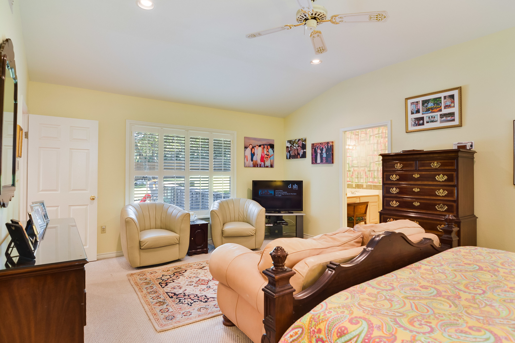 Additional photo for property listing at Classic Home in Terrell Hills 704 Canterbury Hill San Antonio, Texas 78209 Estados Unidos