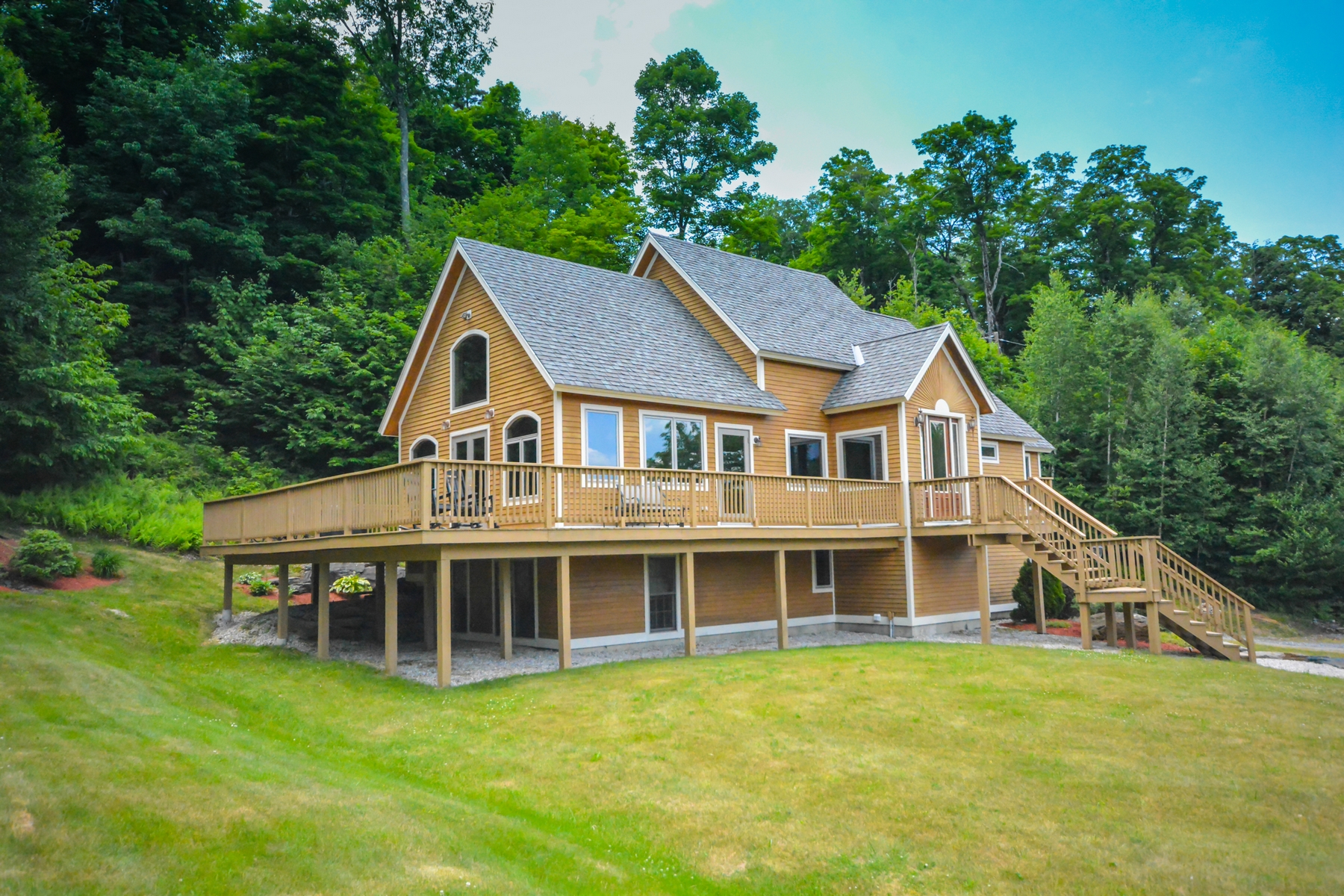 Single Family Home for Sale at Immaculate Dover Hills Home 36 Harris Rd Dover, Vermont, 05356 United States