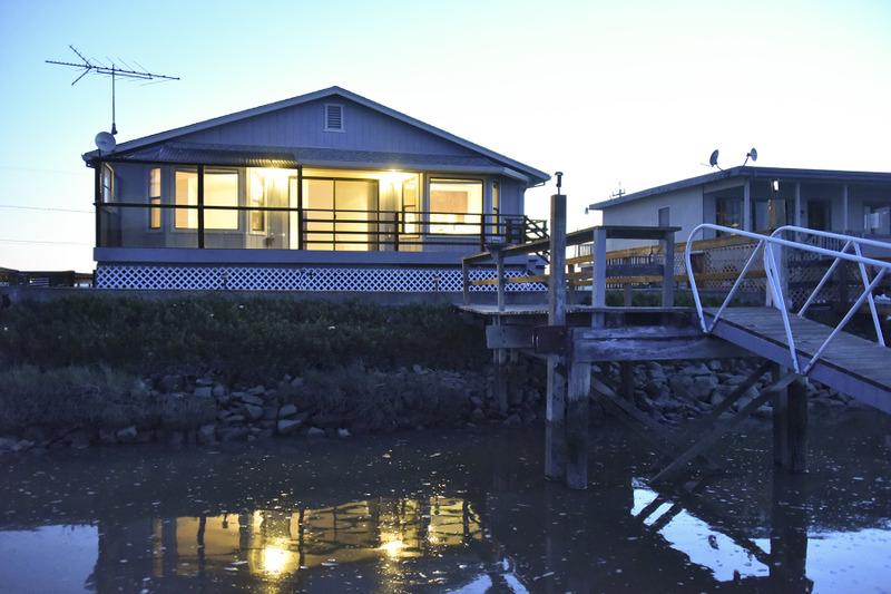 Частный односемейный дом для того Продажа на 1908 Milton Rd, Napa, CA 94559 1908 Milton Rd Napa, Калифорния, 94559 Соединенные Штаты