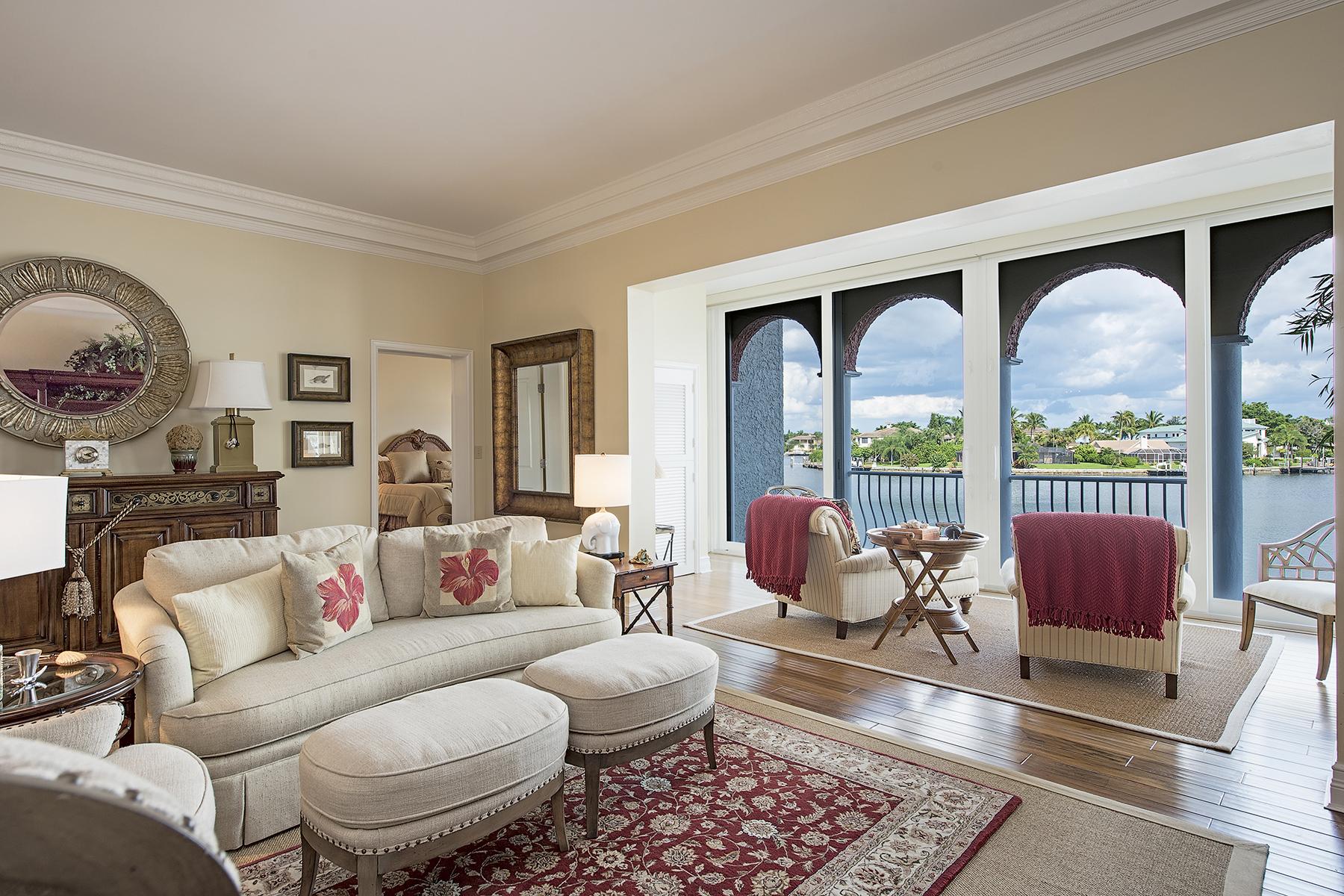 共管物業 為 出售 在 PARK SHORE - VENETIAN VILLAS 4000 Gulf Shore Blvd N 1900 Naples, 佛羅里達州 34103 美國