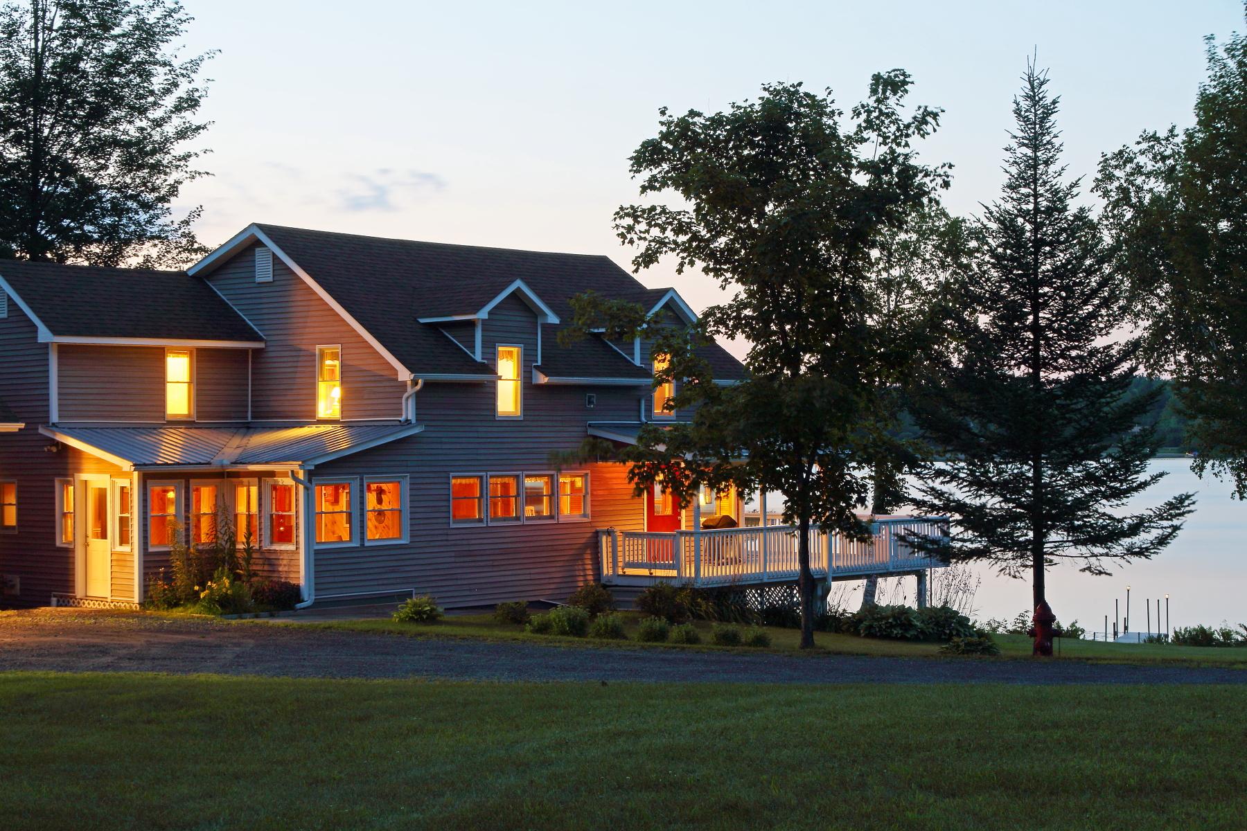 Casa para uma família para Venda às 276 Point Road, Elmore 276 Point Rd Elmore, Vermont, 05657 Estados Unidos
