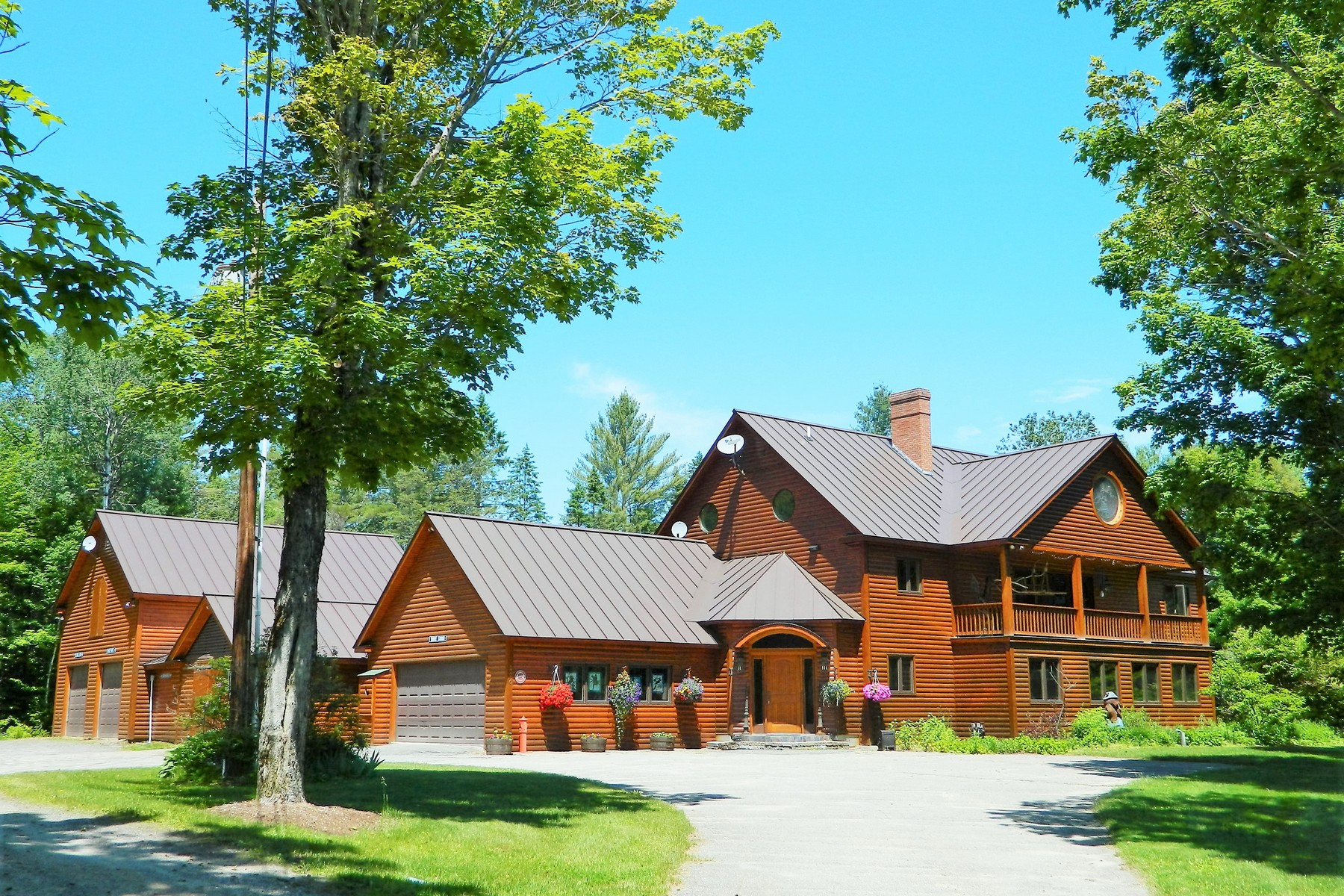 Maison unifamiliale pour l Vente à Kingdom Lodge and Chalets 226 East Darling Hill Rd Burke, Vermont 05832 États-Unis