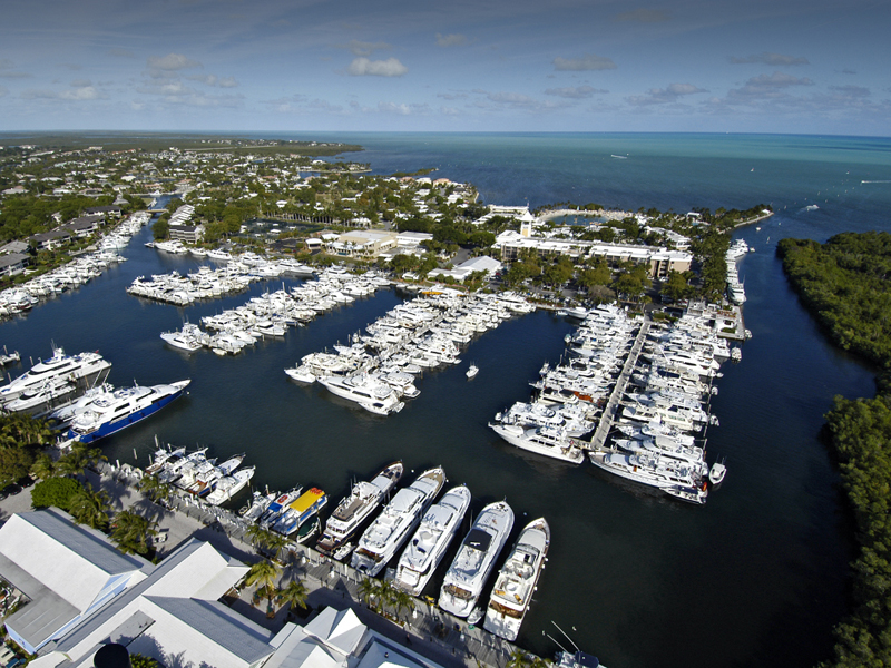 其它住宅 为 销售 在 Ocean Reef Marina Offers Full Yacht Services 201 Ocean Reef Drive Dock FS-14 Ocean Reef Community, 拉哥, 佛罗里达州 33037 美国