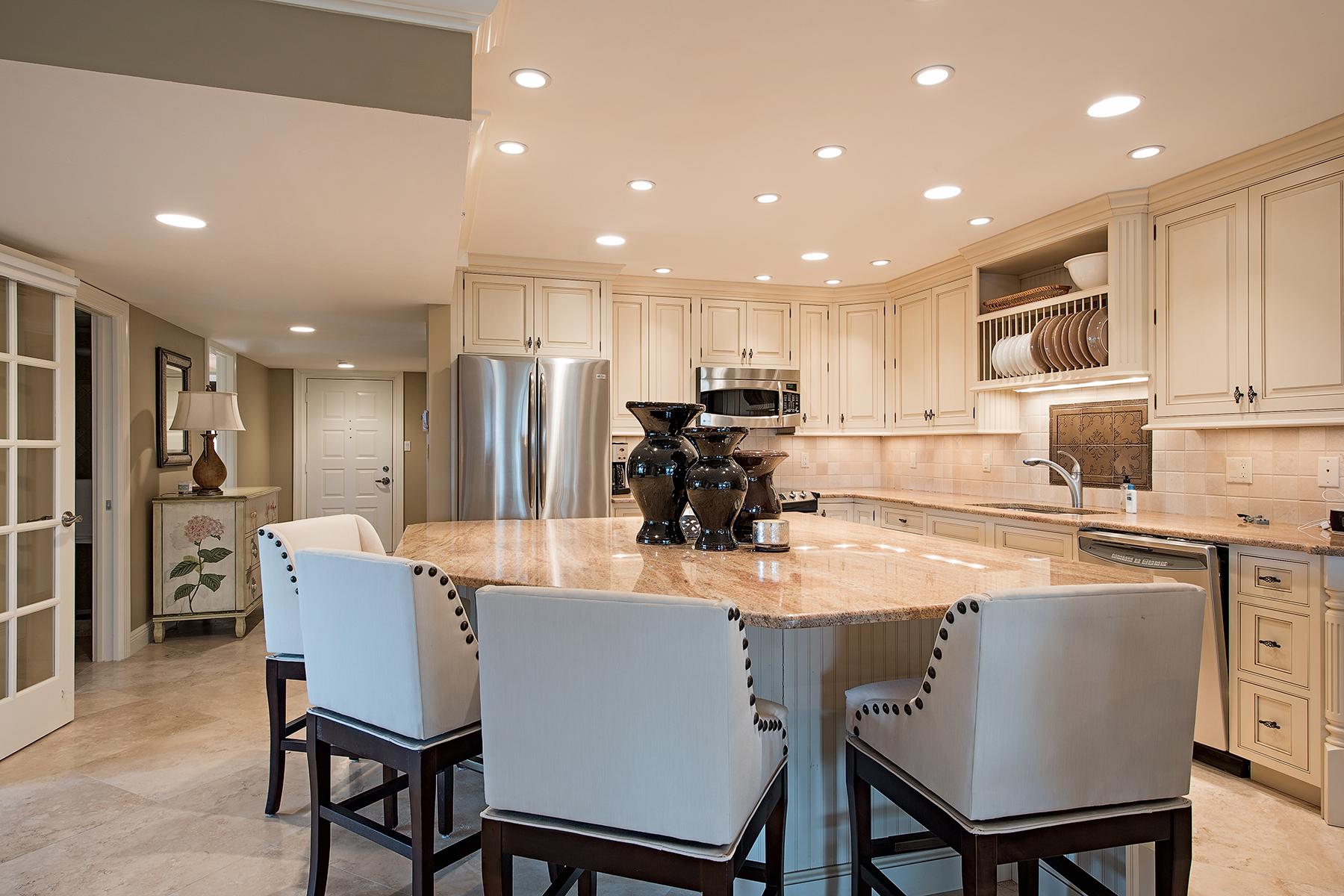Кооперативная квартира для того Продажа на 6040 Pelican Bay Blvd , D-405, Naples, FL 34108 6040 Pelican Bay Blvd D-405 Naples, Флорида, 34108 Соединенные Штаты