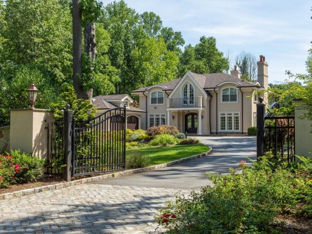 Casa para uma família para Venda às CLUB PARADISE Old Westbury, Nova York 11568 Estados Unidos