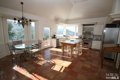 sales property at 245 kreuzer Ln, Napa, CA 94559