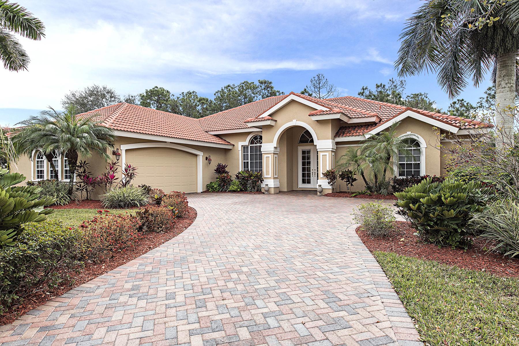 Casa Unifamiliar por un Venta en WILSHIRE LAKES 8130 Lowbank Dr Naples, Florida, 34109 Estados Unidos