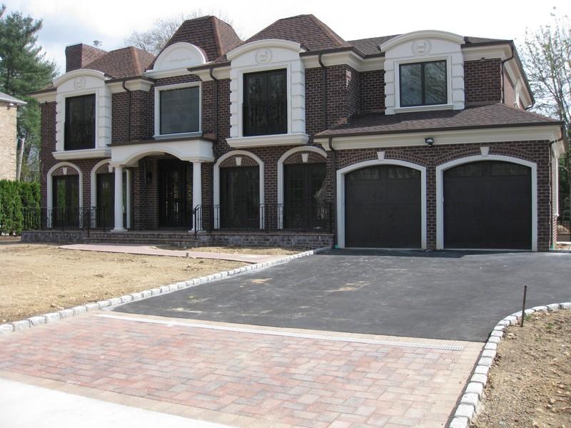 Casa para uma família para Venda às Colonial 48 Arbor Ln Roslyn Heights, Nova York 11577 Estados Unidos