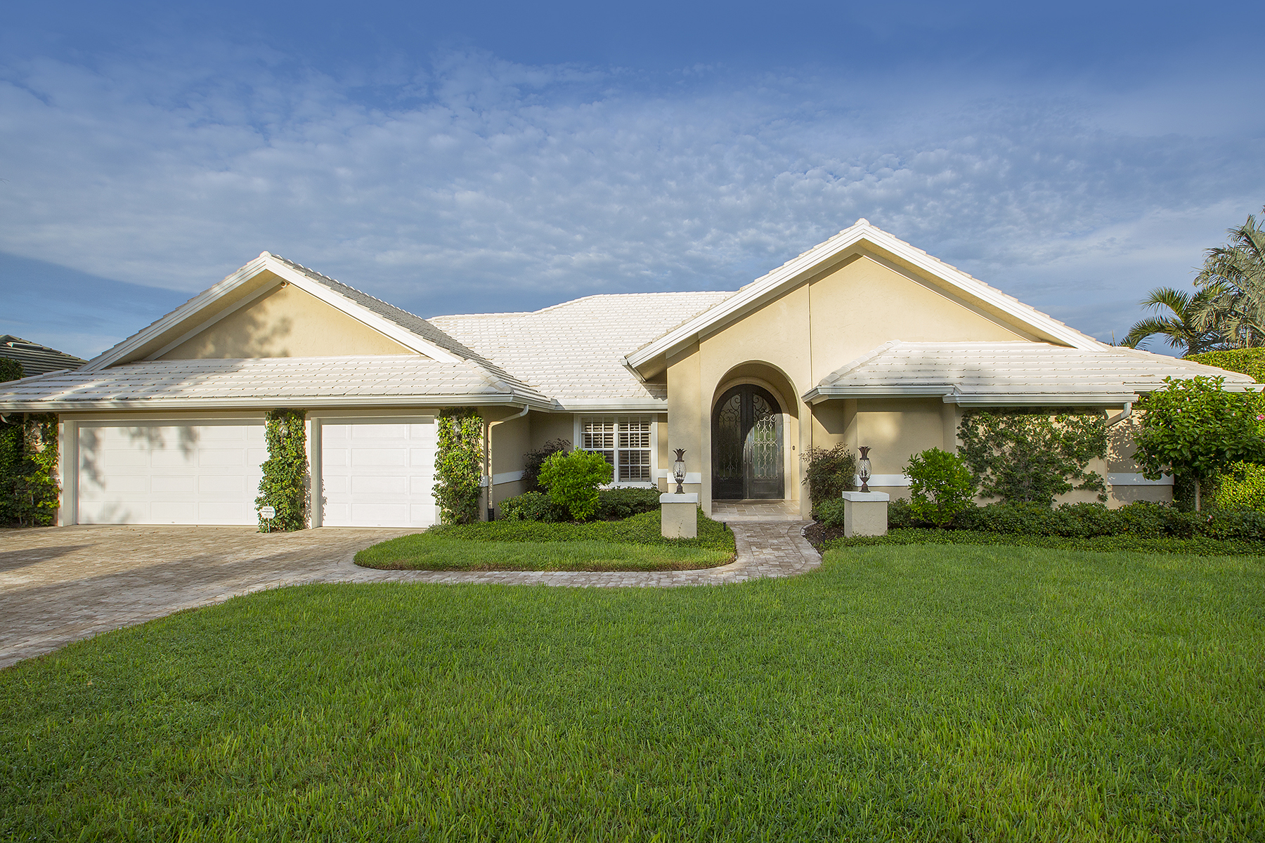 Single Family Home for Sale at PELICAN BAY 6577 Ridgewood Dr Naples, Florida, 34108 United States