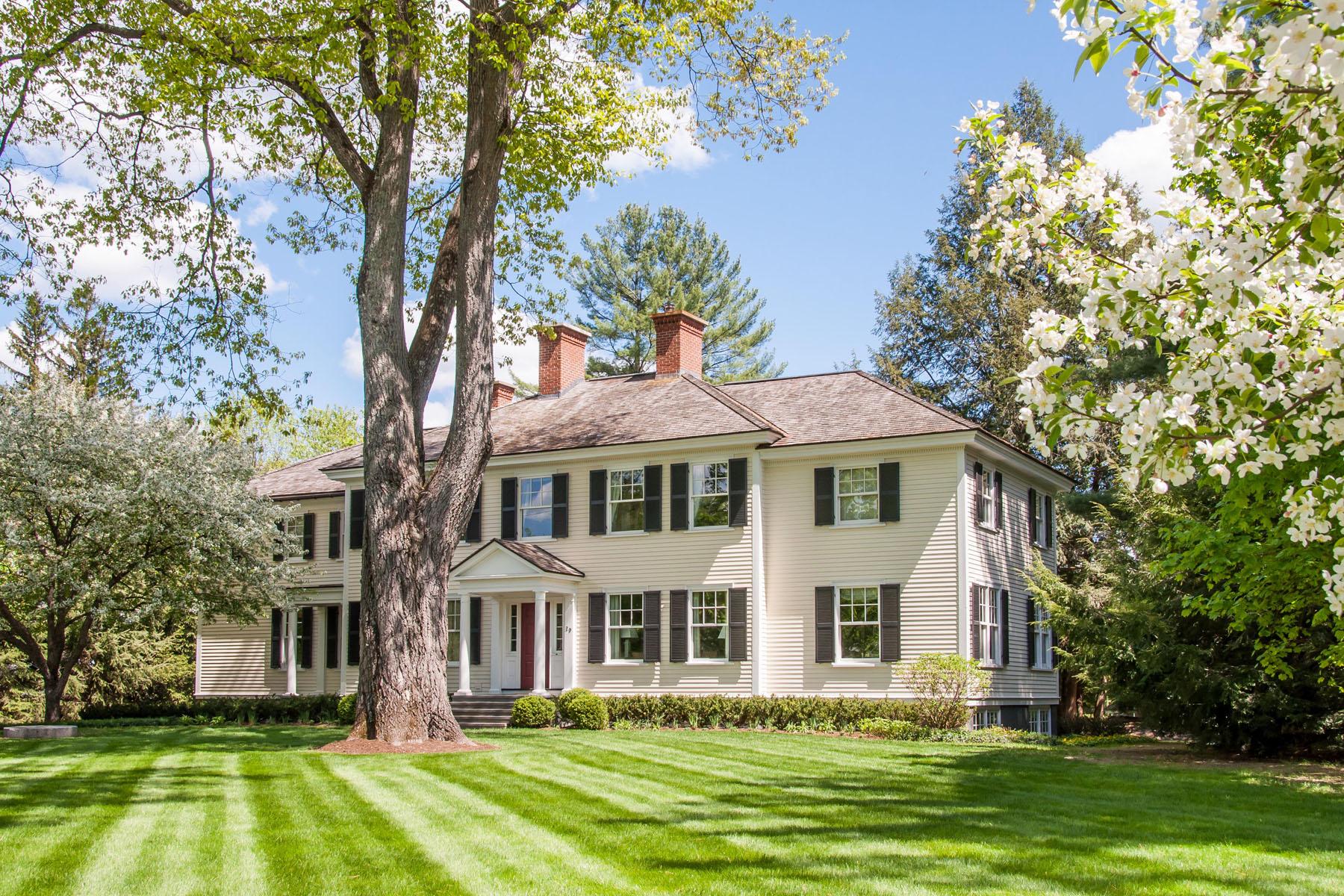 Частный односемейный дом для того Продажа на Occom Pond Estate 29 Rope Ferry Rd Hanover, Нью-Гэмпшир 03755 Соединенные Штаты