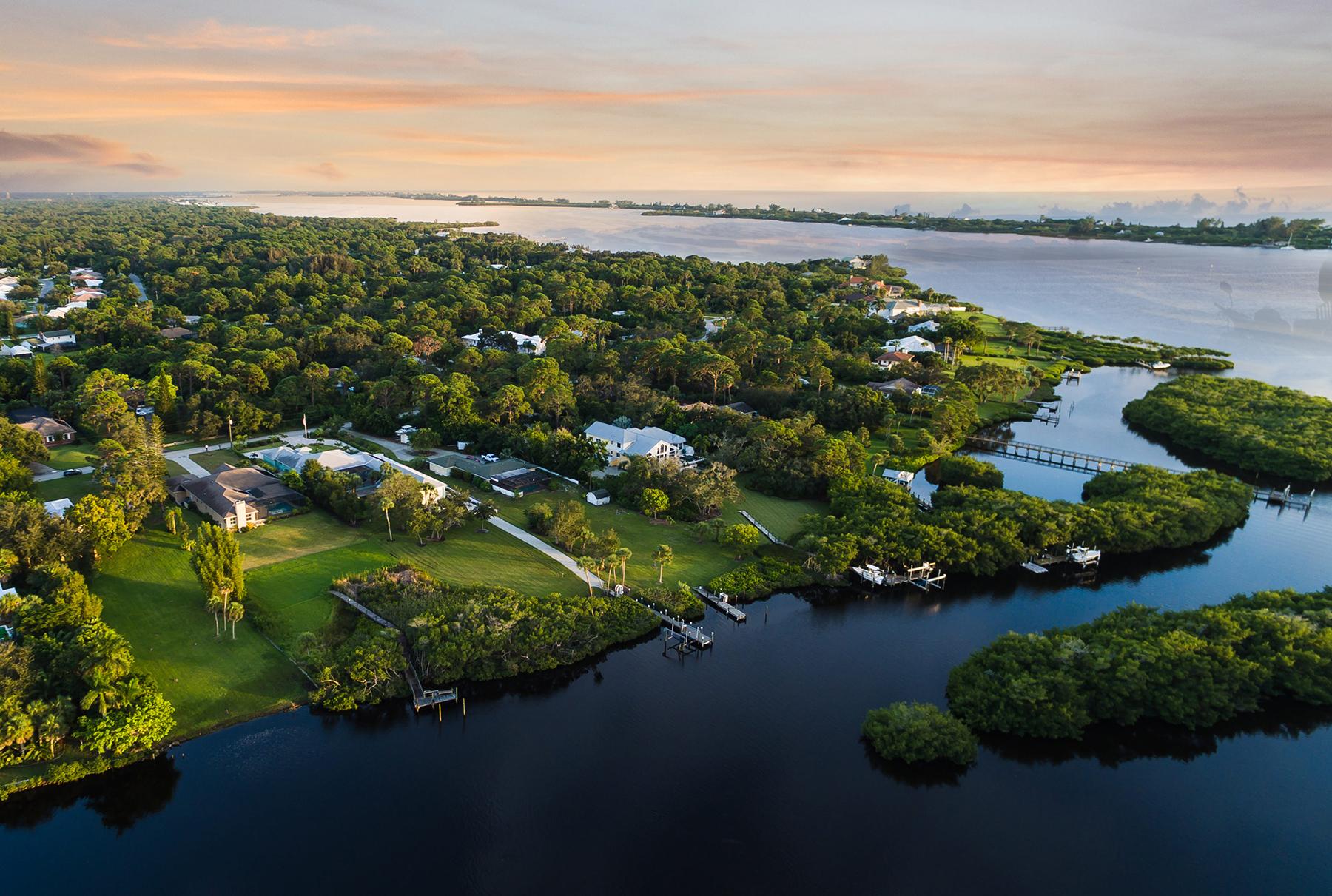 独户住宅 为 销售 在 ENGLEWOOD GARDENS 1415 Bayshore Dr 恩格尔伍德, 佛罗里达州, 34223 美国