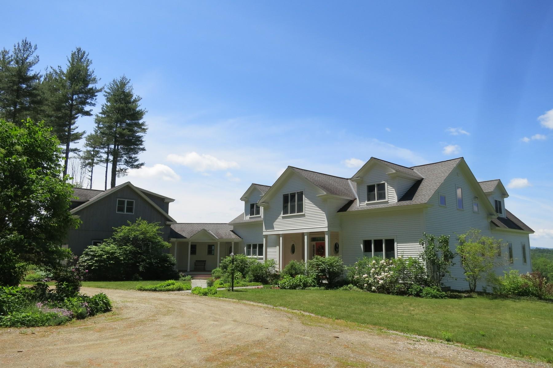 Maison unifamiliale pour l Vente à 2070 Under The Mountain Road, Londonderry 2070 Under The Mountain Rd Londonderry, Vermont, 05155 États-Unis