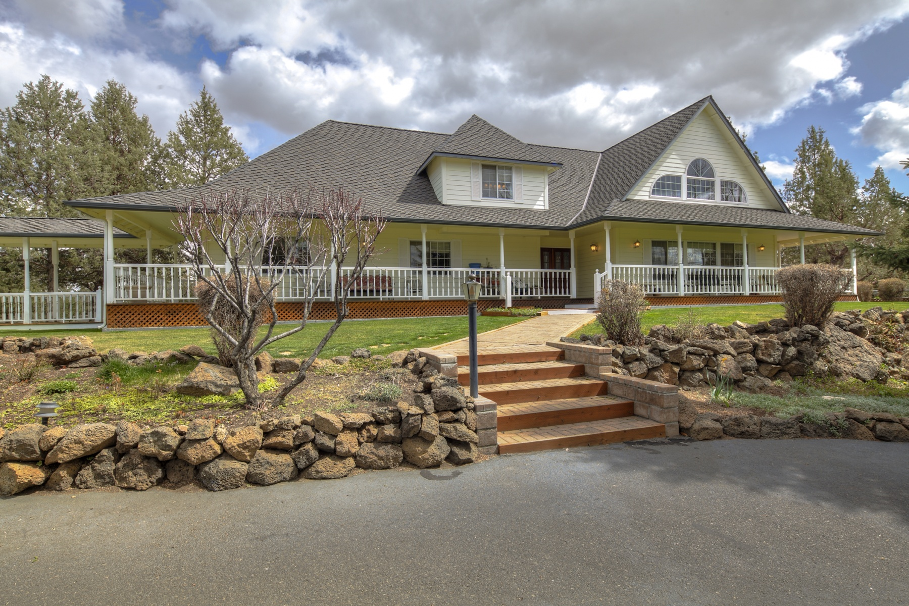 Single Family Home for Sale at 21936 Bear Creek Road 21936 Bear Creek Rd Bend, Oregon 97701 United States