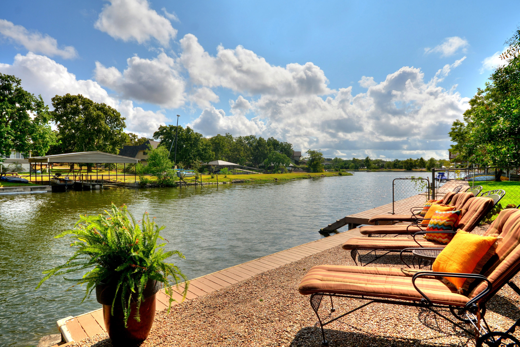 Single Family Home for Sale at The Perfect Weekend Getaway 525 E Briarway Dr Granite Shoals, Texas 78654 United States