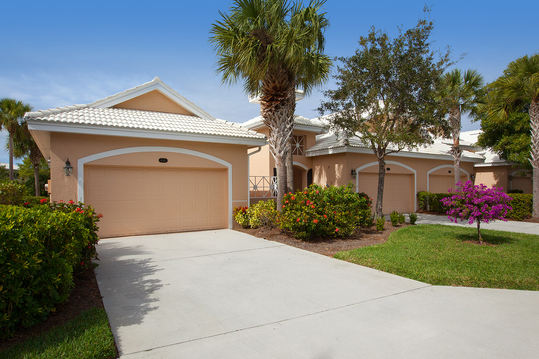 Townhouse for Sale at FIDDLERS' CREEK - CARDINAL COVE 4541 Cardinal Cove Ln Naples, Florida 34114 United States