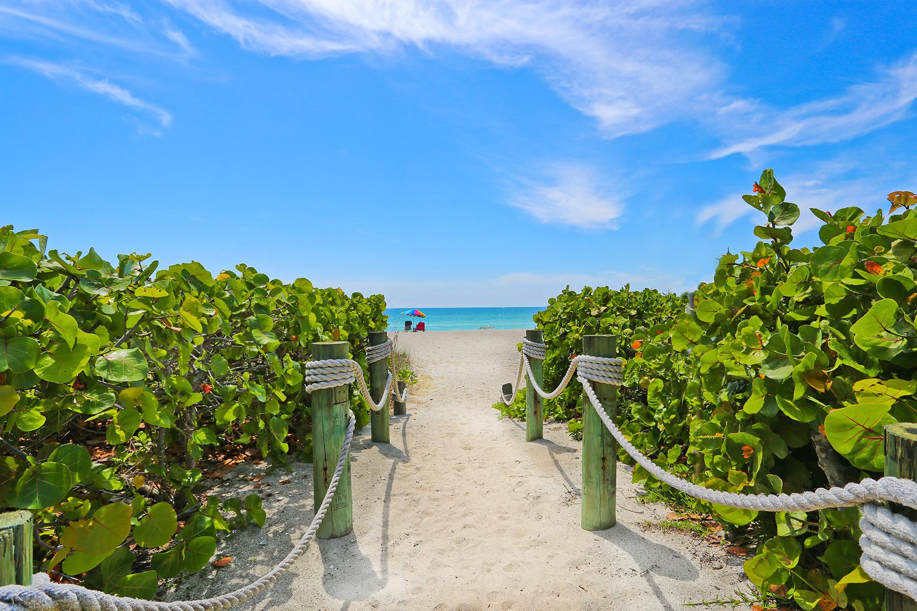 Appartement en copropriété pour l Vente à CASA BELLA 303 58th St Holmes Beach, Florida, 34217 États-Unis