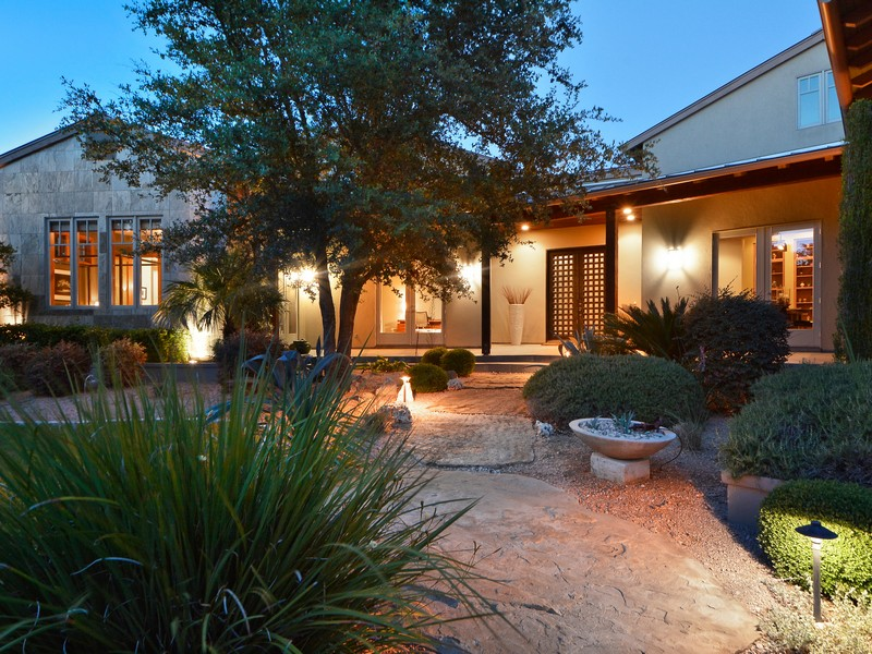 Single Family Home for Sale at Classic Contemporary on Over an Acre 8520 Calera Dr Barton Creek, Austin, Texas 78735 United States