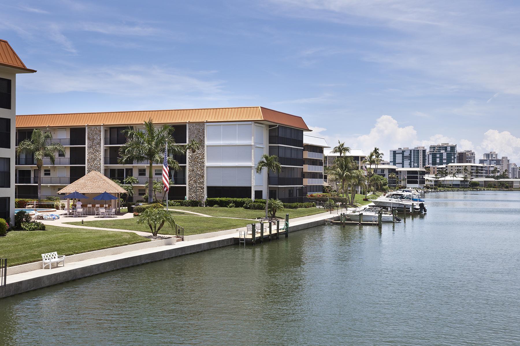 コンドミニアム のために 売買 アット MOORINGS - BORDEAUX CLUB 2900 Gulf Shore Blvd N 216 Naples, フロリダ, 34103 アメリカ合衆国