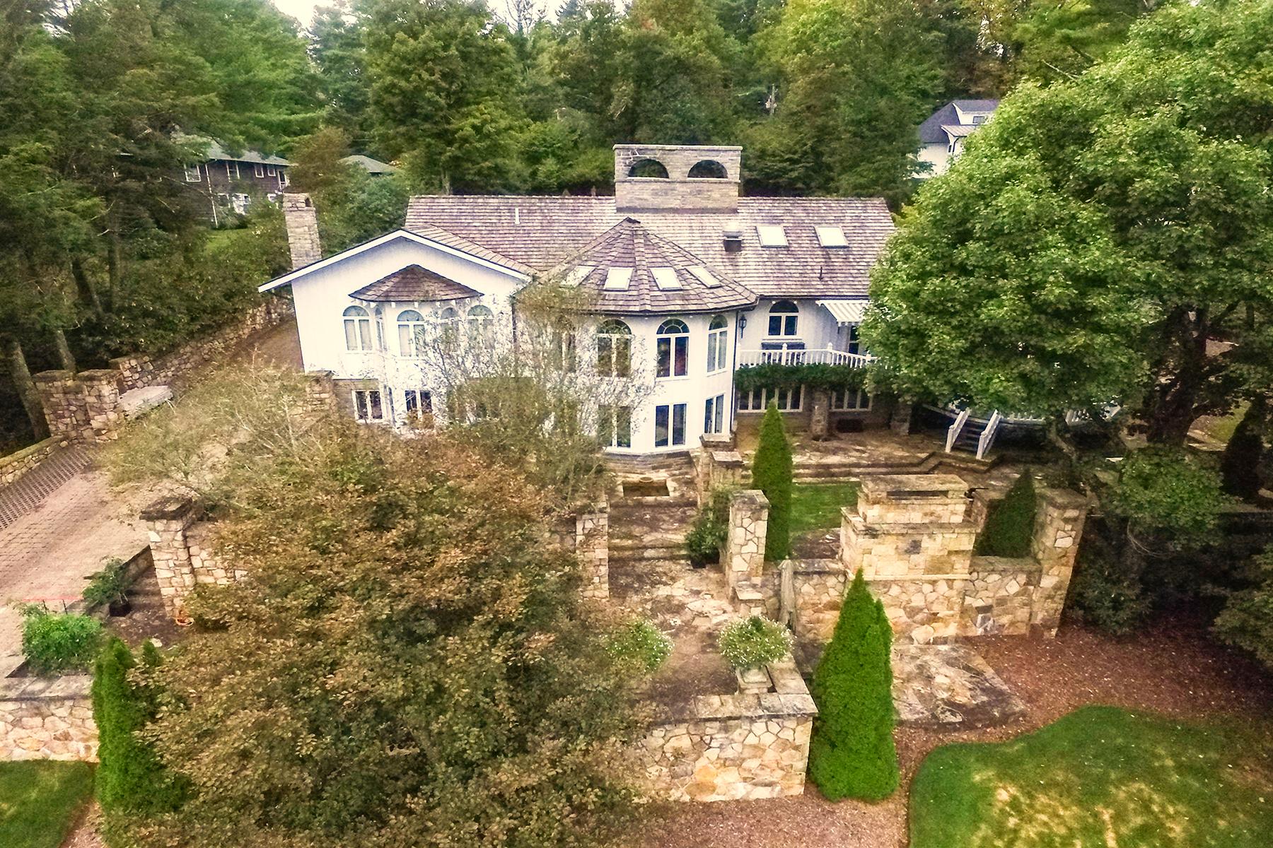 Villa per Vendita alle ore BLOWING ROCK - MAYVIEW PARK 727 Laurel Lane Blowing Rock, Carolina Del Nord, 28605 Stati Uniti
