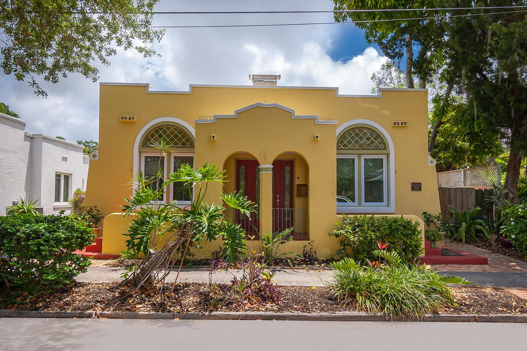 단독 가정 주택 용 매매 에 LAUREL PARK 527 Madison Ct Sarasota, 플로리다, 34236 미국